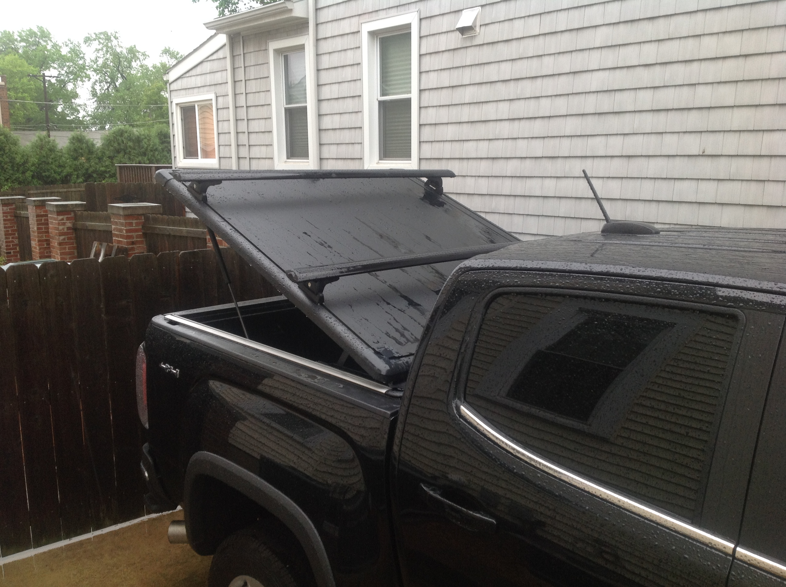 Just Installed An Undercover Ridgelander Tonneau Cover And Oem