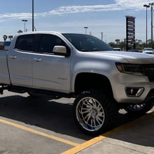 chevrolet colorado lift (2).jpg